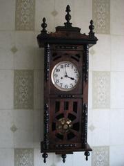 Продам часы старинные немецкие 19 в.  Густав Беккер с красивым трехгонговым боем.